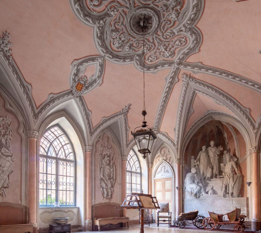 Castello Sannazzaro -  sala ingresso 2